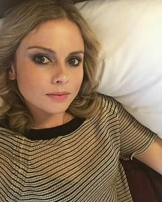 """Last week of shooting for the year. Lunchtime lie down! So excited for you guys to see the new season, I'm so proud of the iZombie team. Rose Mciver, Lunch Time, Guys, Celebrities, Twitter, Women, Fashion, Moda, Fashion Styles"
