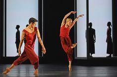 Sarah Lamb and Federico Bonelli in Wayne McGregor's Yugen. © Dave Morgan, courtesy the Royal Opera House