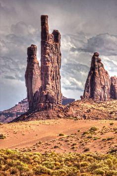 Monument Valley National Monument, Arizona.  Photo: E=mcSCOW, via Flickr
