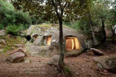 Domus de Janas - Cardedu - Sardegna Natural Swimming Ponds, Scratch Art, Get Out Of Debt, How To Become Rich, Secret Places, Autumn Activities, Sandy Beaches, Ancient Art, Beautiful Places