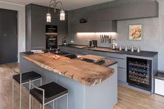 Kitchen Room Design, Kitchen Cabinet Design, Modern Kitchen Design, Home Decor Kitchen, Interior Design Kitchen, Modern Kitchen Interiors, Modern Kitchen Cabinets, Luxury Kitchens, Home Kitchens