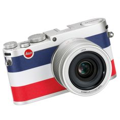 £1,952 Leica
