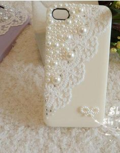 DIY phone case but with a piece of your dress so yo have a piece of your weddin day wherever you go <3
