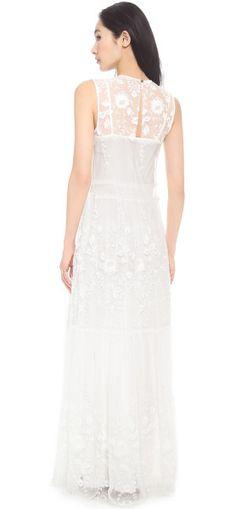 Image from https://cdnc.lystit.com/photos/1270-2014/03/13/rachel-zoe-white-dane-mesh-gown-maxi-dresses-product-1-18400947-2-208271758-normal_large_flex.jpeg.