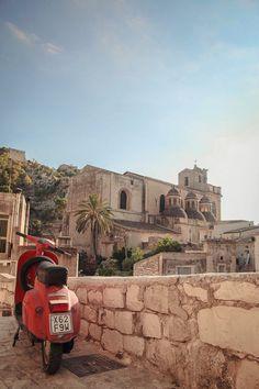 Cava di Santa Maria la Nova (Sicily, Italy)
