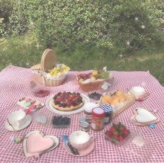 Nature Aesthetic, Aesthetic Food, Pink Aesthetic, Aesthetic Vintage, Picnic Date, Cute Food, Aesthetic Pictures, Aesthetic Wallpapers, Tea Party