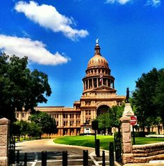 Texas capitol is 14 ft taller than the nation's, to prove everything's bigger in Texas.