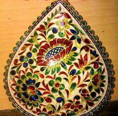 Many colors minaakari Coin Crafts, Colorful Rangoli Designs, Jewellery Sketches, Rare Gems, Gold Jewellery Design, Paisley, Gems Jewelry, Pearl Pendant, Pebble Art