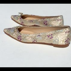 Spring SaleManolo Blahnik Flat Manolo Blahnik Silk Flats Gorgeous in mint condition. Gently worn only once for a wedding! Make me a reasonable offer ❣ Manolo Blahnik Shoes Flats & Loafers