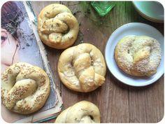 Pretzels de pan blando {Bake The World}