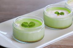 Learn how to make our panna cotta matcha custard and start showing off your skills. This exotic and delicious dessert looks as good as it tastes.