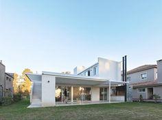 Casa RA diseño minimalista / Arquitecto Pablo Anzilutti, Santa Fe