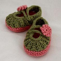 Daisy Baby Booties via Craftsy