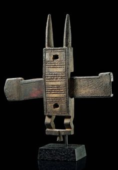 Africa | Door lock from the Dogon people of Mali | Wood, encrusted brown patina