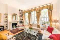 Safinia Property Consultants - Knightsbridge present this 1 bedroom flat for sale in 39 - 40 Beaufort Gardens, London