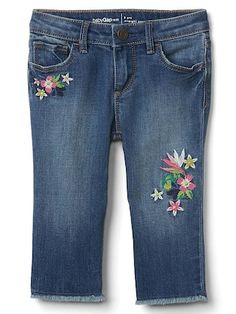 Gap Baby Stretch Distress Embroidery Straight Crop Jeans Galaxy Blue Size M Girls Skinny Jeans, Girls Jeans, Mom Jeans, Denim Jeans, Baby Girl Jeans, Toddler Jeans, Toddler Girls, Girl Bottoms, Cute Toddlers