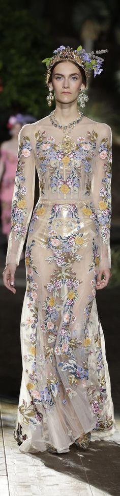 7dafa0c61c17b Dolce   Gabbana Alta Moda Fall 2015 couture Sonhos, Desfile De Moda, Moda De
