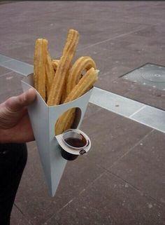 Packaging práctico churros Fuente: Buena Publicidad @Buenapublicidad