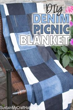 DIY Repurposed Denim Checkered Picnic Blanket – Sustain My Craft Habit So FUN! Learn how to make an easy DIY picnic blanket from old jeans. It's a perfect sewing project for the summer. Find the step-by-step tutorial for this denim quilts idea. Scrap Fabric Projects, Easy Sewing Projects, Sewing Projects For Beginners, Fabric Scraps, Sewing Tutorials, Sewing Tips, Sewing Hacks, Upcycling Projects, Sewing Crafts