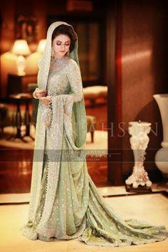 walima dress pakistani bridal dresses lehenga and trendy ladies shalwar kameez top pakistan Asian Wedding Dress, Indian Wedding Outfits, Bridal Outfits, Indian Outfits, Pakistani Bridal Dresses, Pakistani Outfits, Indian Dresses, Pakistani Lehenga, Pakistani Engagement Dresses