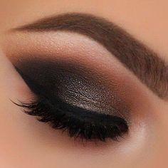 Love this smoky eye!!!:):)