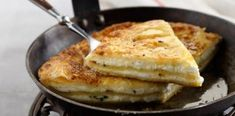 Τυρόπιτα στο τηγάνι στο πι και φι ! Greek Recipes, Deli, Food For Thought, Macaroni And Cheese, French Toast, I Am Awesome, Bakery, Brunch, Food And Drink