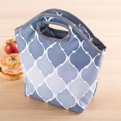Our unique and stylish Bella Lunch Bag is great for carrying your lunch anywhere. The insulation keeps your food warmer for longer. It is perfect for work or school and it easily wipes clean. Tween Trendy Clothes, Trendy Outfits, Kids Outfits, Cute Lunch Boxes, Bags For Teens, Urban Fashion Trends, Insulated Lunch Bags, Lunch To Go, Teen Fashion