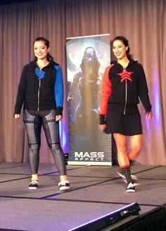 BioWare Fashion show: Mass Effect - Paragon/Renegade reversible hoody #geekfashion