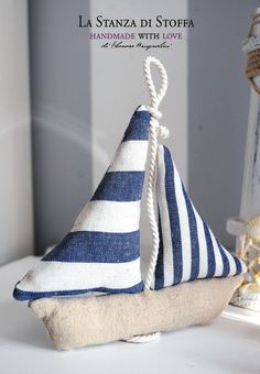 Handmade with love Sea Crafts, Diy And Crafts, Baby Sewing Projects, Sewing Crafts, Tapetes Diy, Lavender Crafts, Deco Marine, Nautical Quilt, Fabric Toys