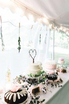 wedding dessert tabl