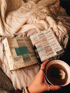 Christian Girls, Christian Life, Bible Art, Bible Verses, Cute Bibles, Jesus Is Life, Bible Study Journal, Bible Notes, Bible Encouragement