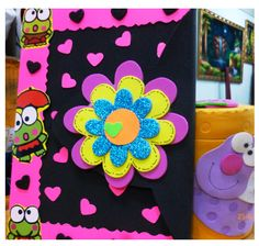 Decoración de cuadernos Kindergarten Portfolio, Diary Decoration, Diy And Crafts, Arts And Crafts, Decorate Notebook, Notebook Covers, Border Design, Planner, Classroom Themes