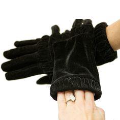 The Velvet Ring Glove
