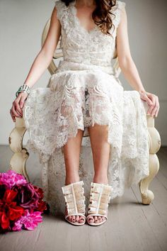 Classic vintage wedding dress vogue (www.mattwittmeyerweddings.com)