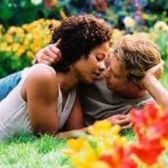 Something New with Sanaa Lathan and Simon Baker. Love the movie, but some parts give me heartburn. I think it's easy to forget about the basic fact that you love someone and want to be with him, when you focus on all the mess around you. Interracial Couples, Interracial Dating Sites, Biracial Couples, Biracial Children, Mary Stuart Masterson, Sarah Polley, Simon Baker, Patrick Dempsey, Je T'aime Encore