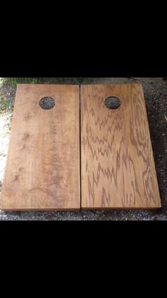 The difference between birch (left) and oak (right).  L&J Cornhole Hand painted artwork Find us on Facebook!