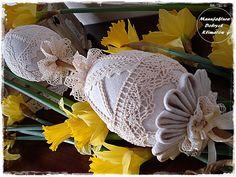 Manufaktura Dobrych Klimatów: Palma wielkanocna inna niż wszystkie......)))))) Paper Flowers Diy, Easter Crafts, Origami, Diy And Crafts, Ale, Spring, Baby Dolls, Craft, Palmas