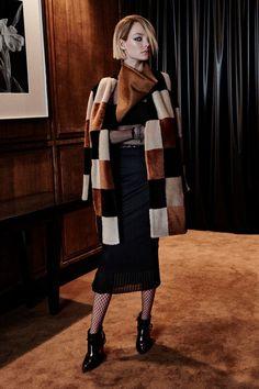 Sfilata Max Mara New York - Pre-Collezioni Autunno-Inverno 2016-17 - Vogue