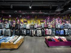 Olymp & Hades Berlin Shop Design, Ladenflächen  Corneille Uedingslohmann Architekten