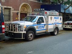 New York Police department NYPD 5775 Emergency Service Unit Ford Truck 1 Tactical Medic, Ford F550, Military Vehicles, Police Vehicles, Old Police Cars, Police Crime, 1st Responders, First Response, New York Police