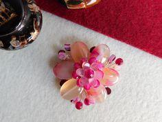 Compoziția florală este confecționată din petale de agat dantelă, mărgele de agat. Stud Earrings, Jewelry, Bijoux, Jewlery, Studs, Schmuck, Stud Earring, Jewerly, Jewels