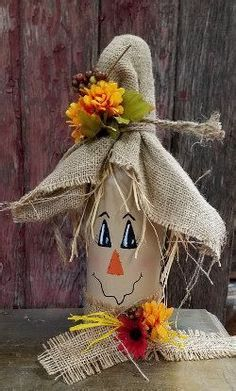 Unique ideas for DIY scarecrow bottles that enrich your creative arts … - DIY CRAFTS Autumn Crafts, Thanksgiving Crafts, Holiday Crafts, Fall Wine Bottles, Wine Bottle Art, Halloween Wine Bottles, Beer Bottle, Painting Wine Bottles, Lighted Wine Bottles