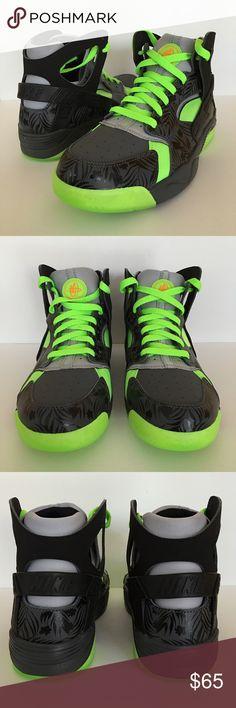 Nike Huarache Gradeschool size 7y (women's 8.5) Brand new Nike Huarache Basketball shoe kids size 7y equal to women's size 8.5 as well. New in Original box. Never worn Nike Shoes Sneakers