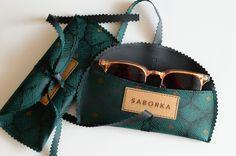 Articoli simili a ON SALE 14 instead of - Handmade Vegan Sunglass Case (Blue/Black) su Etsy Sunglasses Case, Vegan, Green, Handmade, Blue, Etsy, Fashion, Hand Made, Moda