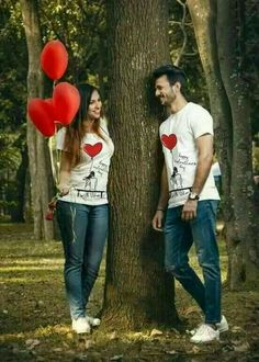 Boyfriend and girlfriend dating beside the tree red love balloons and red love hearts. Pre Wedding Shoot Ideas, Pre Wedding Poses, Wedding Couple Photos, Pre Wedding Photoshoot, Wedding Pics, Wedding Couples, Romantic Couples, Cute Couples, Wedding Stills