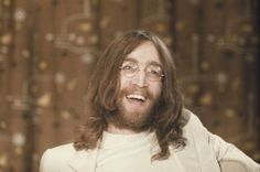 WHAT A BEAUTIFUL SMILE ON JOHN LENNON'S FACE......LOVE THIS PICTURE OF…
