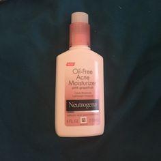 Neutrogena oil free ance moisturizer grapefruit Used about 3 times, clears breakouts, lightweight moisture, salicylic acid ance treatment Neutrogena Makeup