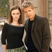 Net Image: Alexis Bledel and Matt Czuchry Gilmore Girls Promo Shoot: Photo ID: . Picture of Gilmore Girls - Latest Gilmore Girls Photo. Mode Gilmore Girls, Gilmore Girls Logan, Gilmore Girls Fashion, Rory And Logan, Team Logan, Rory Gilmore Hair, Matt Czuchry, Alexis Bledel, Glimore Girls