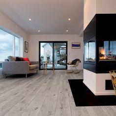 BERRYALLOC LAMINATGOLV ORIGINAL KÖPENHAMN EK. #golv #inredning #home #hem #kitchen #interior #interiordesign #laminatgolv #trend #heminredning #homedecoration #grey #inspiration #homestyling #design #buildor #floor #floorinspiration