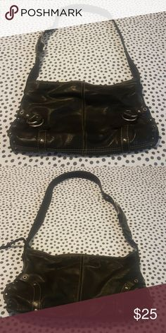 Lucky brand handbag Black lucky brand handbag in excellent condition, no scratches or scuffing, no rips or tear . Can be worn as crossbody or shoulder bag because the strap is adjustable. Measures 15in across and 8in down. Lucky Brand Bags Shoulder Bags